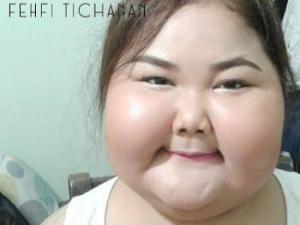 震惊!泰国大脸妹自信教化装!_歪阅_最好看的YY新闻