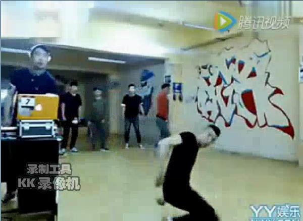 韩版最新超等失常传奇爆料:天佑跳街舞,挑战高难度动作