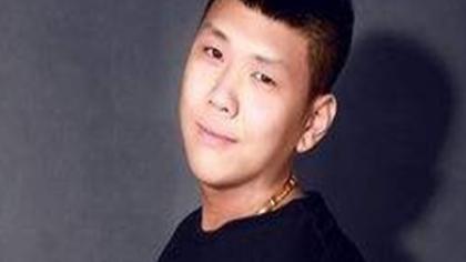 谢小宇遭遇家庭暴力头发掉光?