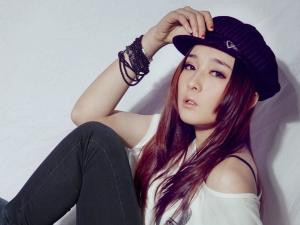 平面模特、乐队主唱阿琳_歪阅_最好看的YY新闻